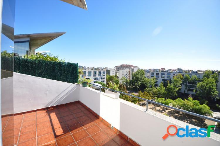 Ático/ Dúplex con terraza privada y parking en la misma