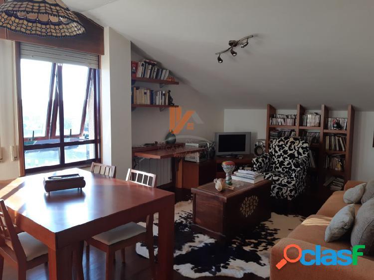 Bonito apartamento con plaza de garajes en Cacheiras.
