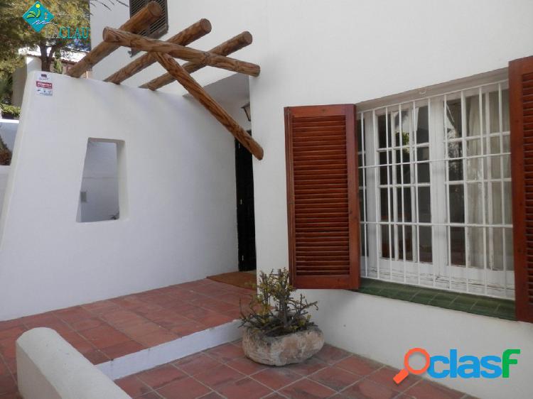 Encantadora casa en alquiler en la zona de Vallpineda