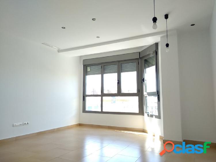 Se alquila fantástico piso en zona calle Cuenca de Aldaia