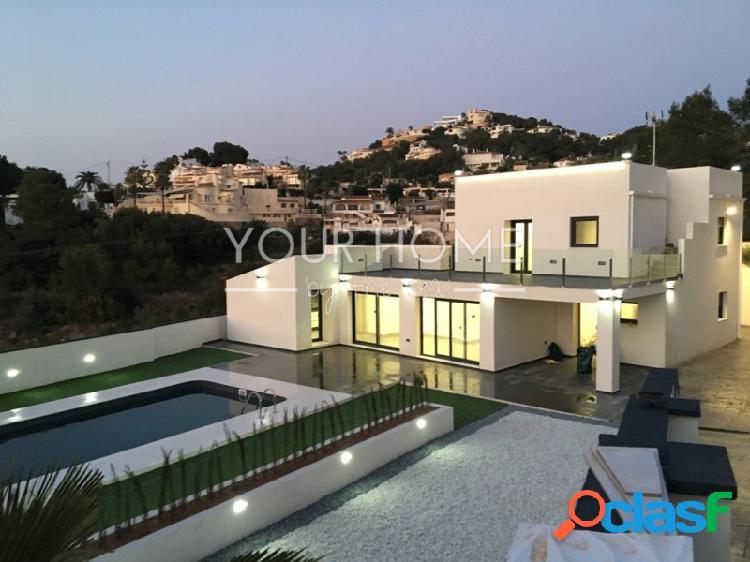 Villa completamente reformada de estilo moderno en Moraira