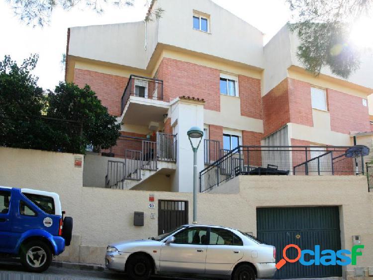 Casa pareada en Boscos de Tarragona, en zona residencial y