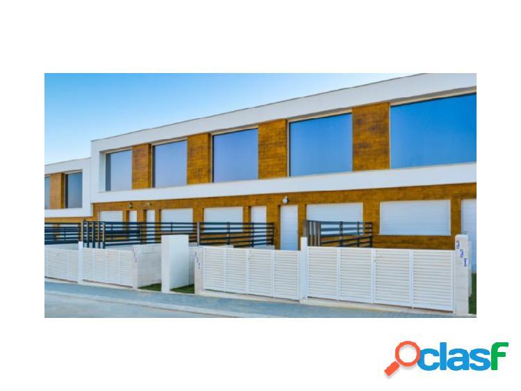 EWE - Duplex de diseño lineal y moderno en Gran Alcant,