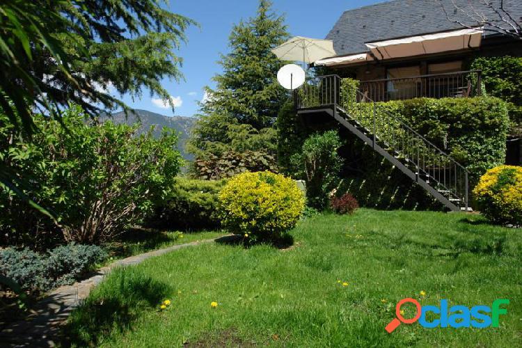 Magnifico chalet de montaña con gran jardín en Juberri!