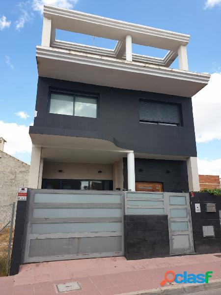 Se vende Duplex de Lujo en Llano de Molina