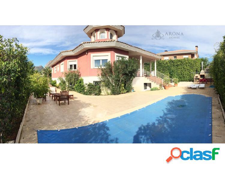 #00011 Alquiler Villa de lujo con 300 m2 de casa en La Nucia
