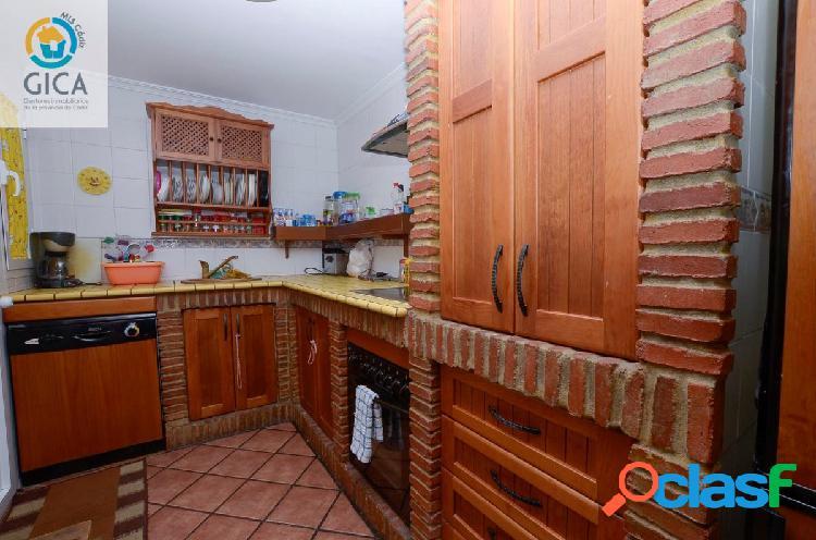 Av Las Flores (La Granja), Algeciras. Plaza garaje y