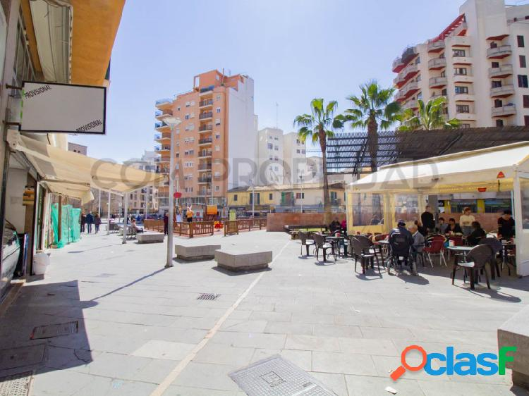Local comercial con 371 m2 y posibilidad terraza en PLAZA
