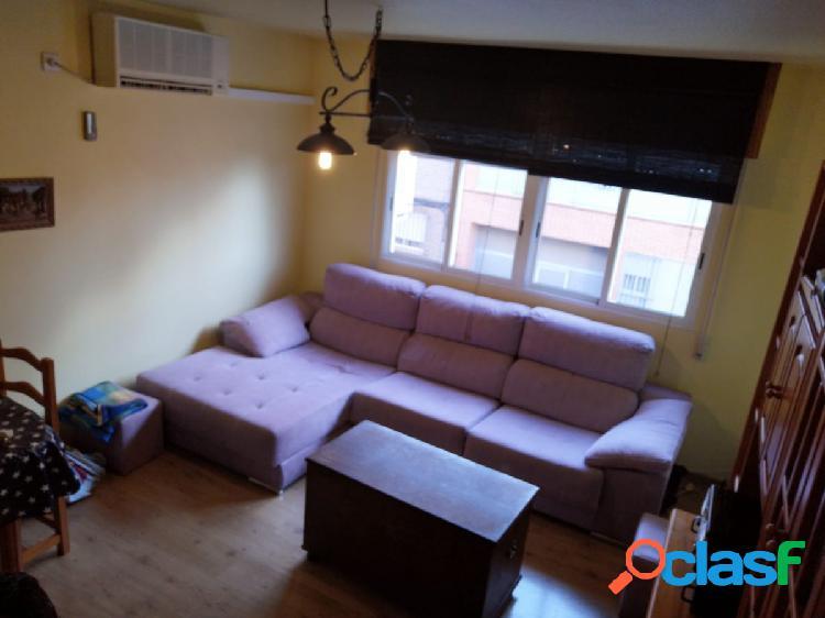 Se vende buen piso en Patiño