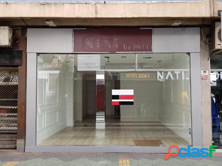 Se vende local en zona muy comercial del centro de Alicante.