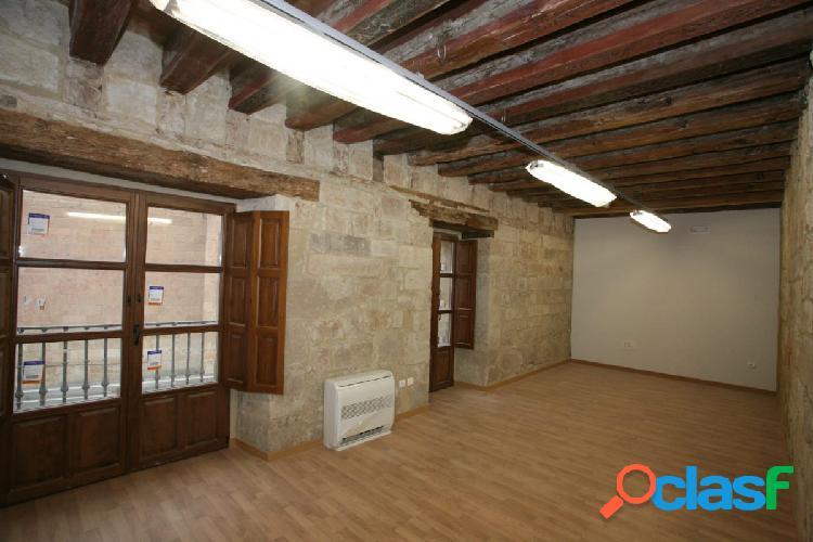 Urbis te ofrece un precioso conjunto de oficina - despacho
