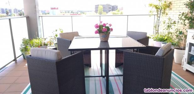 Conjunto de jardin mesa y cuatro butacas