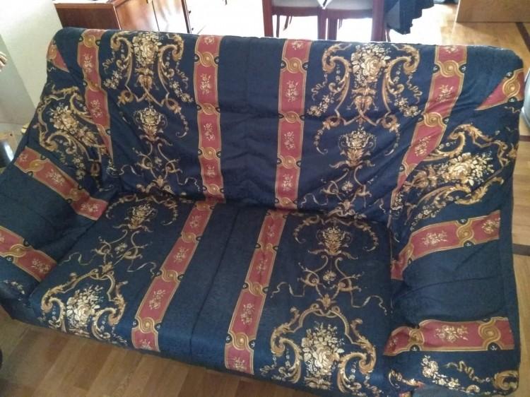Dos sofas de salón,