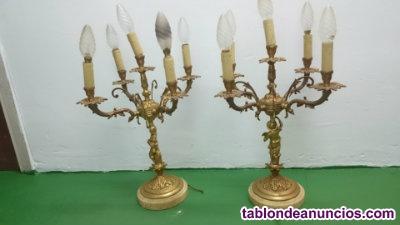 Candelabros bronce y regalos