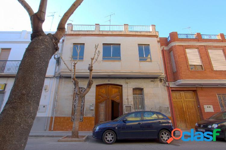 Casa céntrica para reformar o solar en Albalat dels Sorells