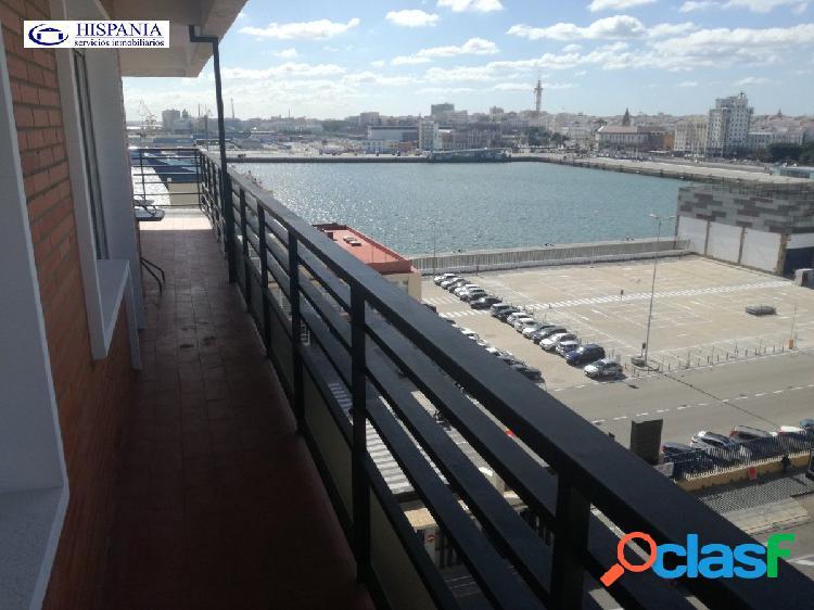 Excelente vivienda con espectaculares vistas al puerto