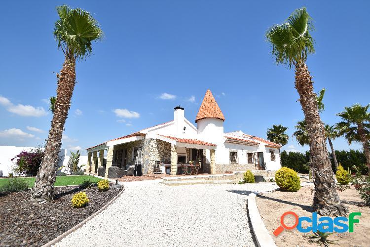 Fantastica villa de estilo rus