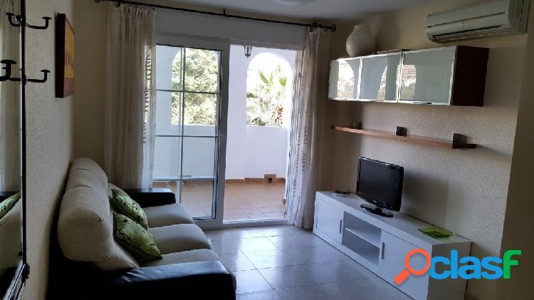 Hermoso y coqueto piso VACACIONAL en Urbanización Bungalows