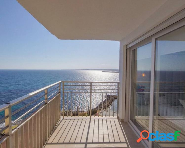 Impresionante apartamento con vistas frontales al mar!!