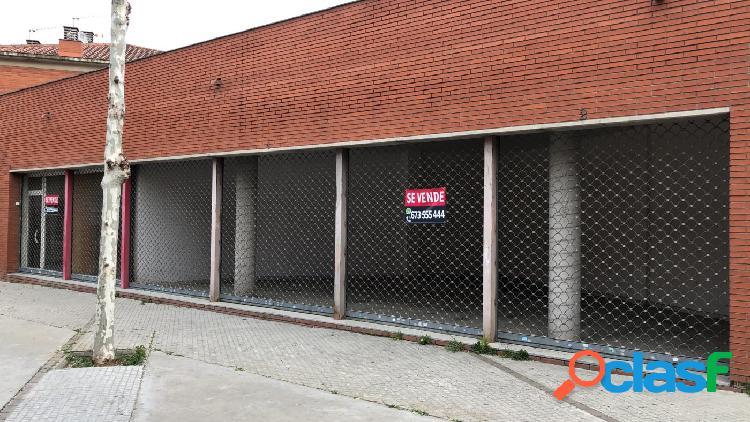 Local comercial a pie de calle con 91 m2 Llámenos y le