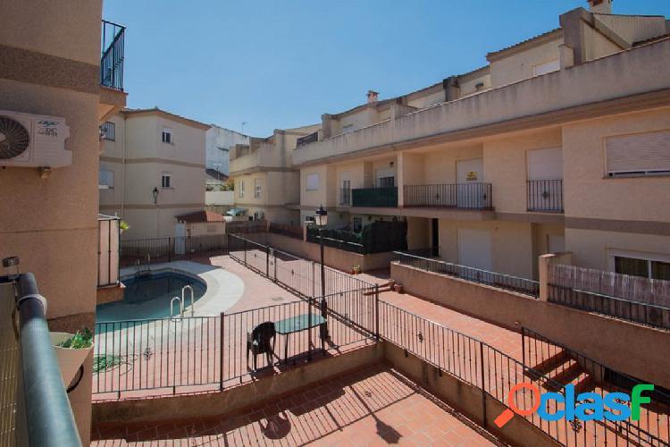 Piso en residencial con piscina comunitaria