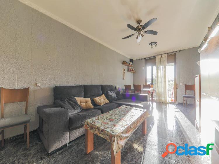 Piso en venta de 73 m² en Calle Juan Ramón Jiménez, 08100