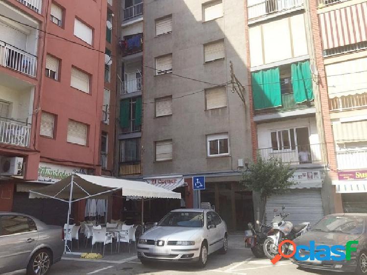 Piso en venta en Sant Andreu de la Barca, Barcelona en Plaza