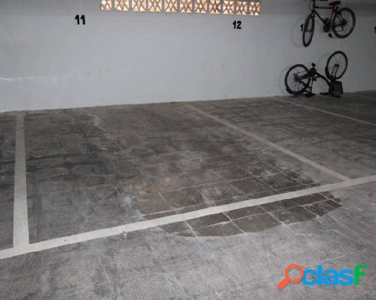 Plaza de garaje cercana a la z