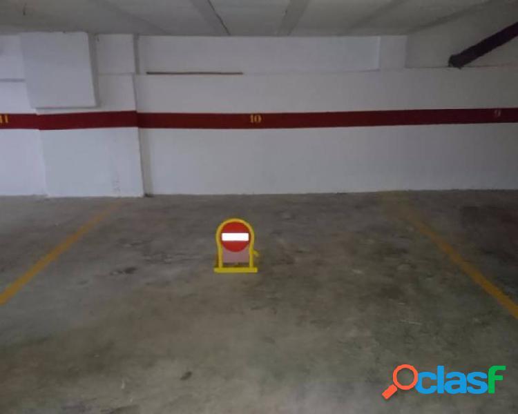 Plaza de garaje en Edificio Pr