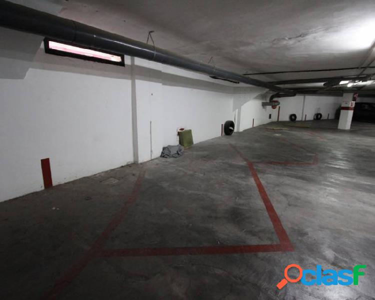 Plaza de garaje en calle Moliv