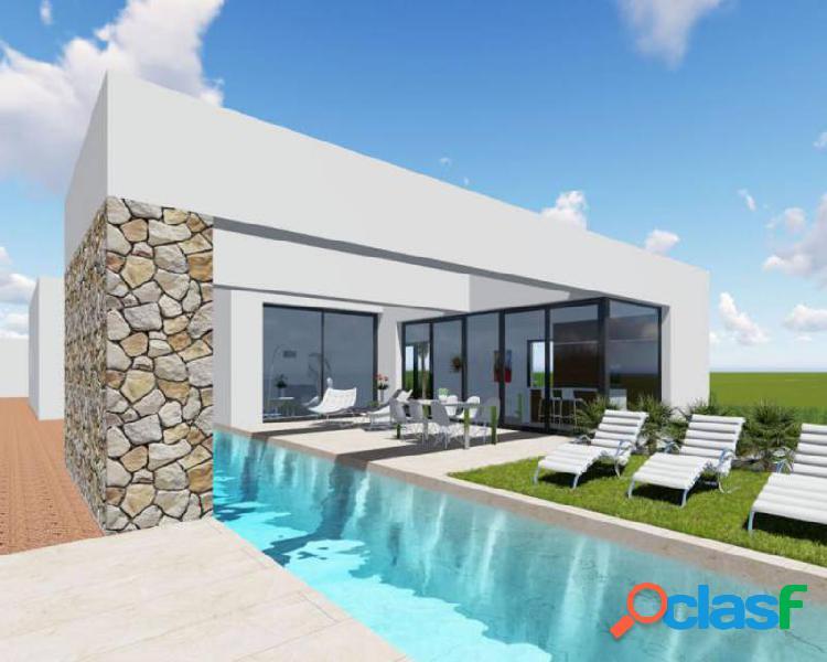 Villa de estilo moderno con 13