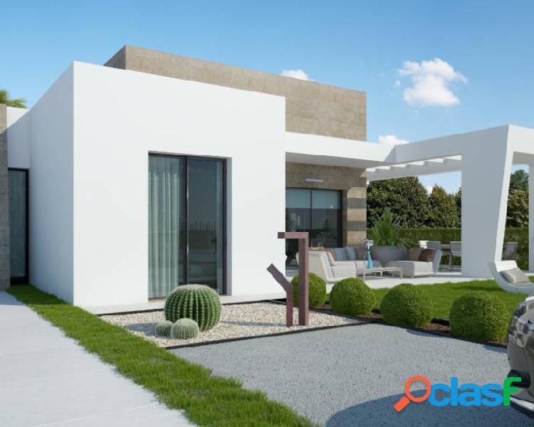 Villa de obra nueva en La Finc