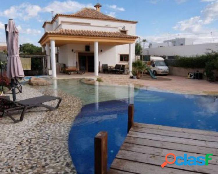 Villa-villa de 750 m2 de parce