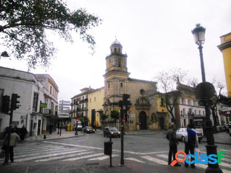 Magnifico local situado en pleno centro de la ciudad