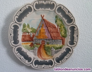 Platos de cerámica, pintados a mano