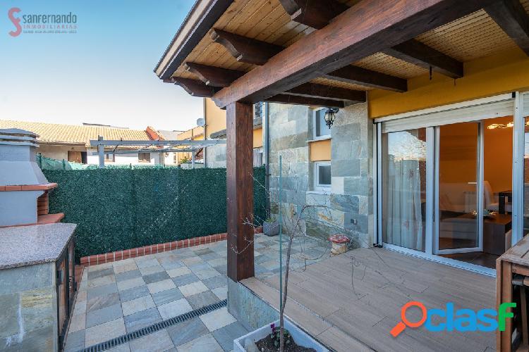 Se vende adosado con jardín y plaza de garaje en Miengo