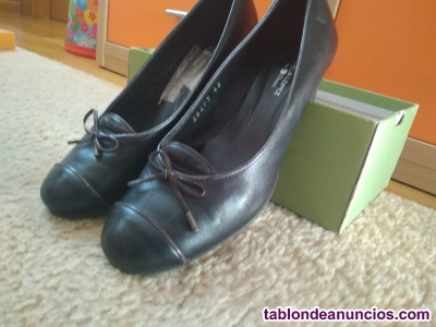 Zapatos piel negros medio tacón