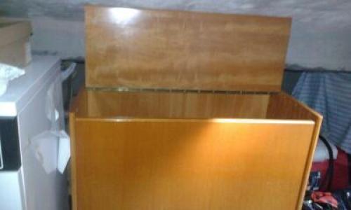 Arcón de madera con tapa