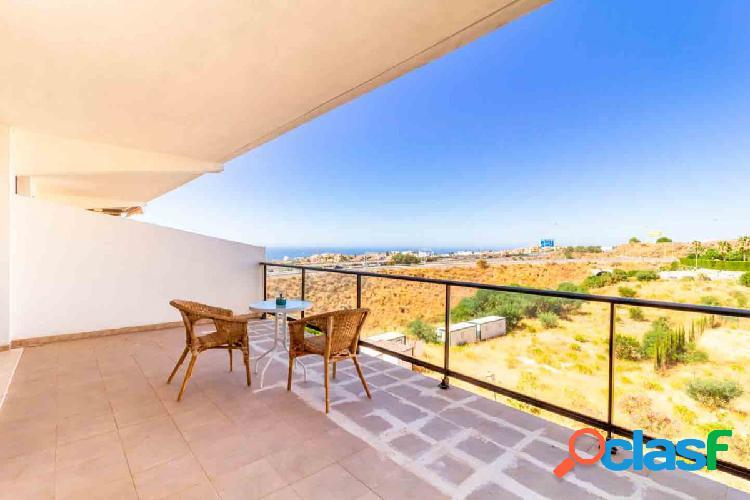Apartamento en Calahonda, vistas panorámicas al mar