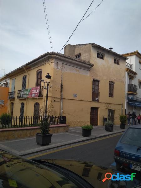 Gran casa para reformar en pleno centro de Ogíjares