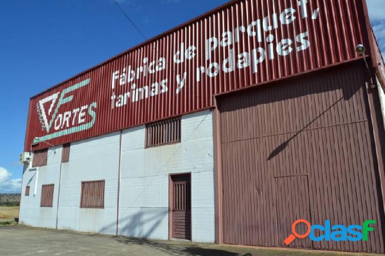 Nave en venta y alquiler en Malpartida de Plasencia