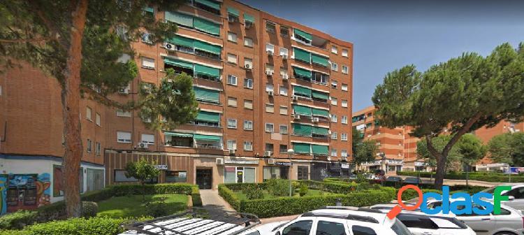 Oportunidad Local en venta en calle Villaamil, 28934
