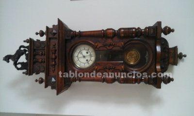 Reloj de pared estilo caballito muy antigua