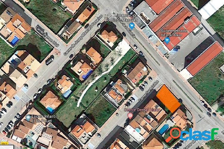 SOLAR EN ZONA RESIDENCIAL DE ALAIOR