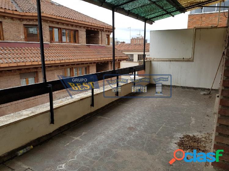 Ático para reformar en el centro de León.