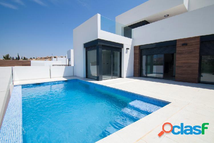 Nuevas villas con piscina en e