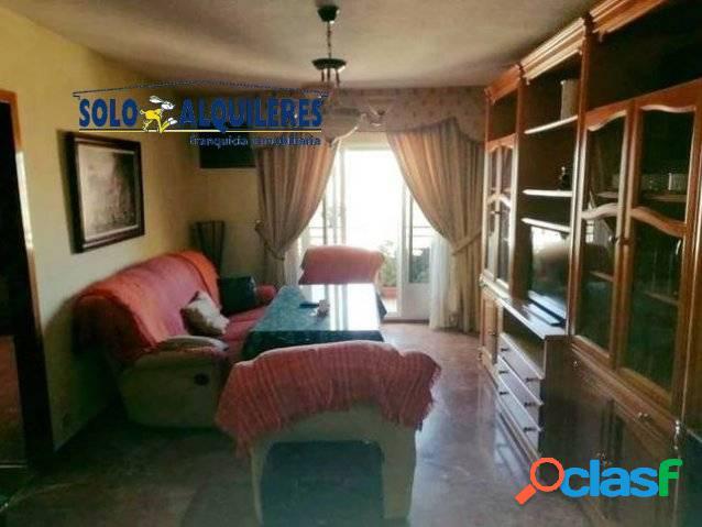Piso de 4 dormitorios en La Chana.