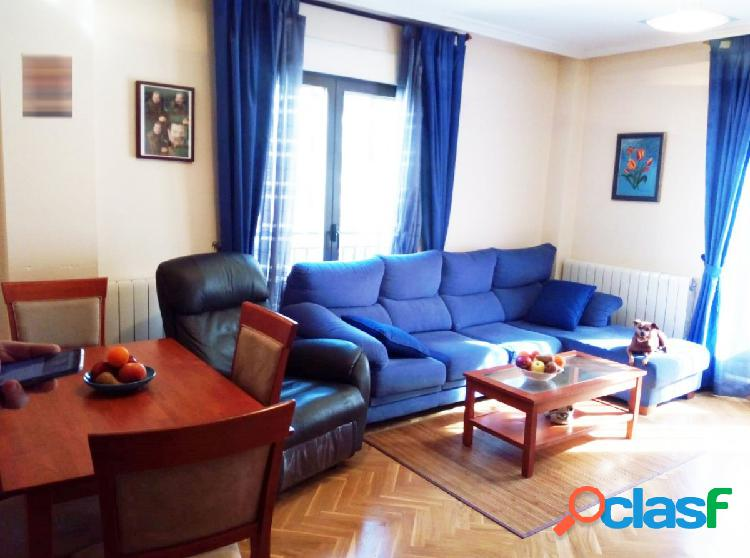 Urbis te ofrece un precioso piso en el Teso de la Feria,
