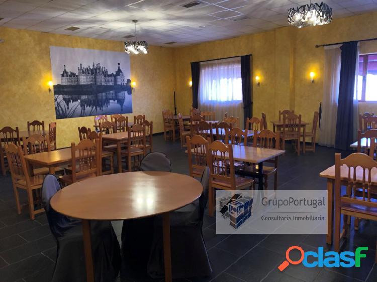 Venta Bar Restaurante totalmente equipado en el Polígono de