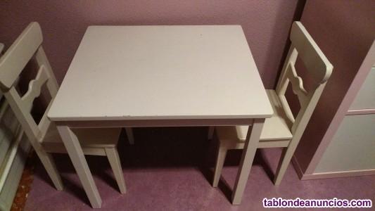 Mesita y sillas para niño